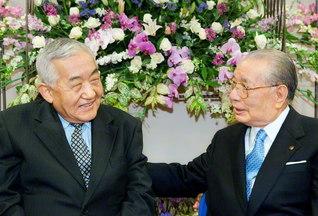 池田先生と韓国の趙文富博士は、これまで7度の出会いを。語らいは2冊の対談集に結実している(2005年4月、創価大学で)