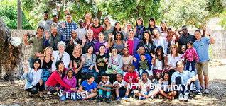 南アフリカでは、5会場に180人が集い、勤行会をにぎやかに。代表の決意発表に喝采が送られた(写真は西ケープ州で)