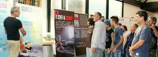 チビタヴェッキア市での「核兵器廃絶への挑戦」展から。展示は、各地のSGIメンバーが役員として支えている