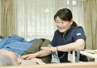 「訪問看護こそ私の使命。患者さんの元気になる姿が、生きがいになっています」と三原さん