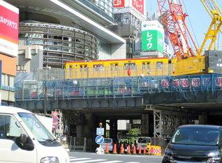 地下鉄銀座線は渋谷駅付近では高架になり、地上3階にホームがある