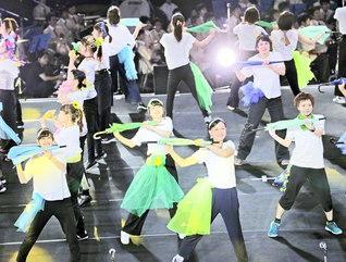 躍動する演技に信心の歓喜を託して――。私たちも祈りを根本に人生の幸福の土台を築きゆこう(先月22日、神戸市内で行われた兵庫創価青年大会)