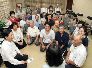 今夏の西日本豪雨で甚大な被害を受けた岡山・真備町では、9月に災害後初の座談会を開催。「一人」への真心の励ましこそ学会家族の絆