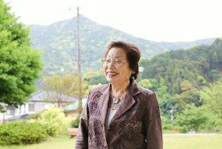 「池田先生にお応えできる人生を、朗らかに、悠々と!」と鈴木さん。今日も元気に友の元へ