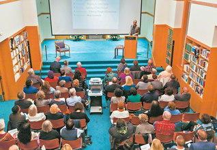 1993年9月24日、池田先生の2度目のハーバード大学での講演の日に、人類が直面する諸課題に対し、仏教の視点から解決の方途を探る拠点として始動した「池田国際対話センター」