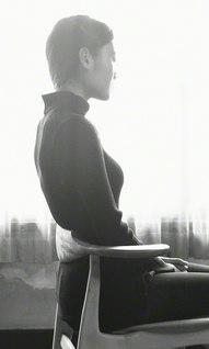 腰を支えることで骨盤が立ち、姿勢を保持できる(矢田部さん提供)