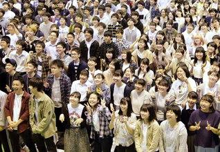 """池田先生が若き日、戸田先生と語り合った広宣流布の未来図――その世界平和という""""夢""""を託し、55年前に結成された高等部。この一人一人を育てゆくことは、そのまま広宣流布の未来に直結"""