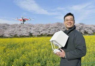 「空の産業革命」とも呼ばれるドローン。「『今』に真剣に向き合う。その積み重ねが『撮る』ってことなんです」と太田さん